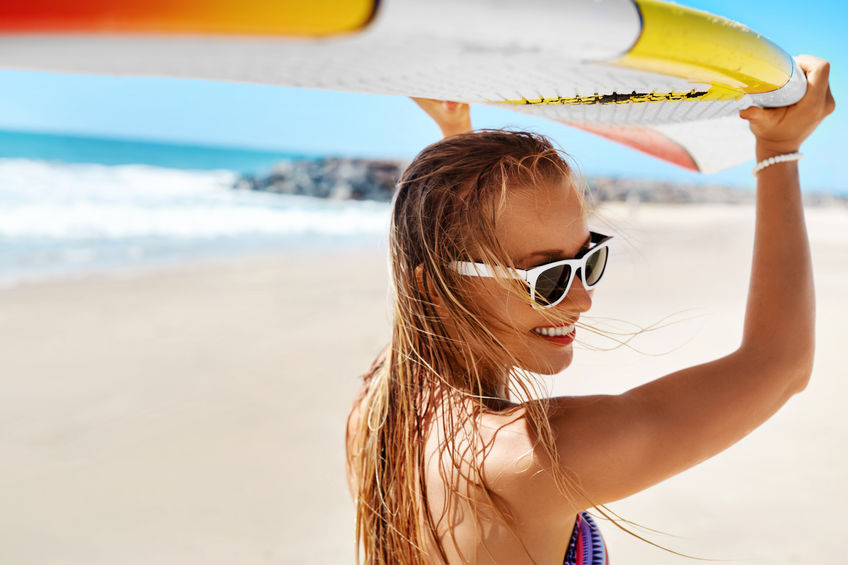 Summer Fun, Holidays Travel Vacation. Surfen. Meisje Met Surfplank