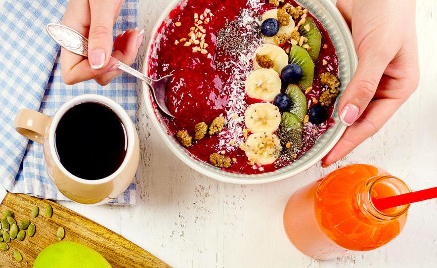 Ontbijt met bessen smoothies