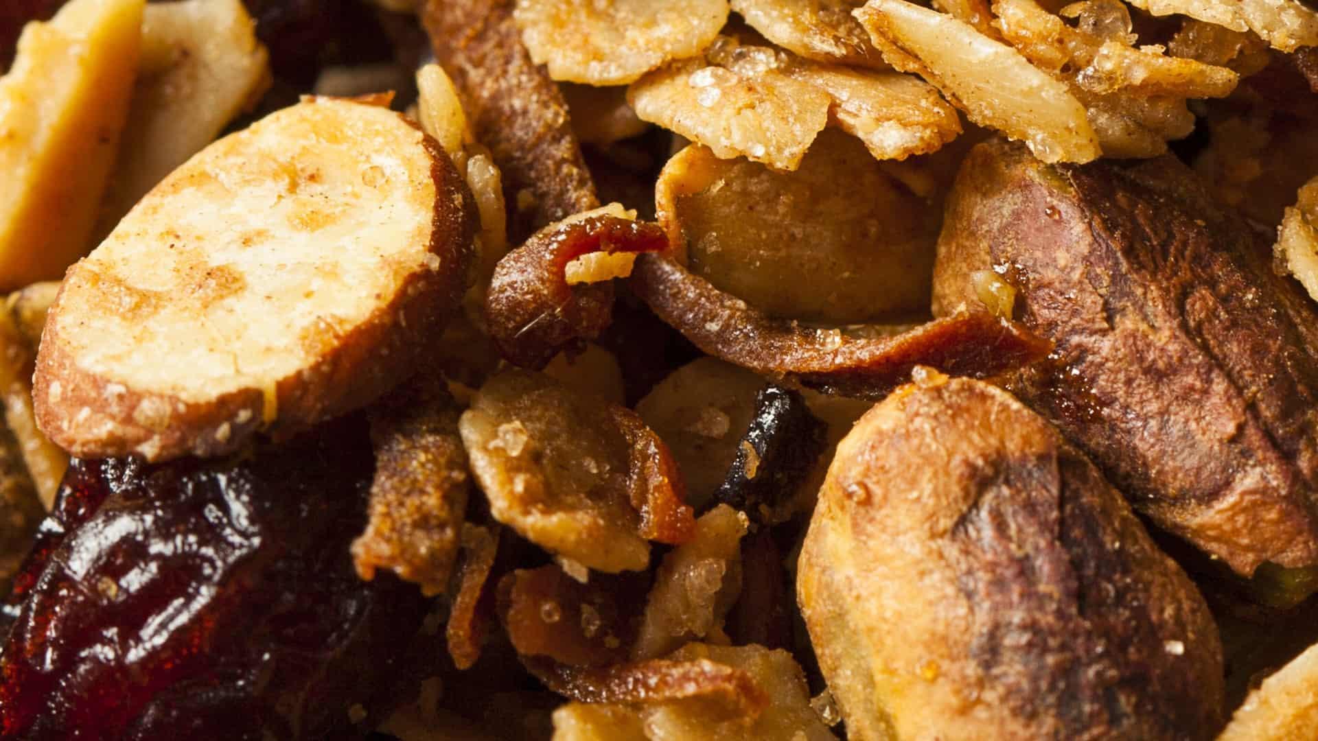 muesli gecombineerd met noten
