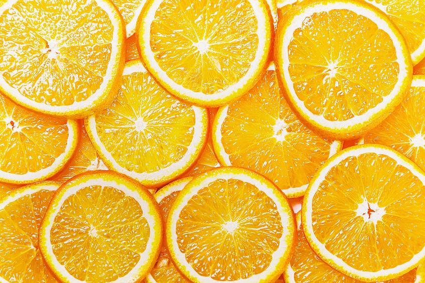 Natuurlijke achtergrond met oranje segment