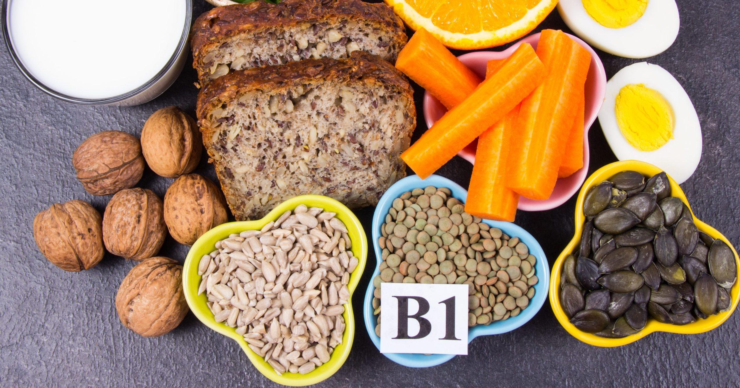 Ingrediënten die vitamine B1 (thiamine) bevatten. Gezond eten concept.