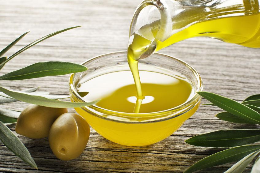 olijfolie in een bakje